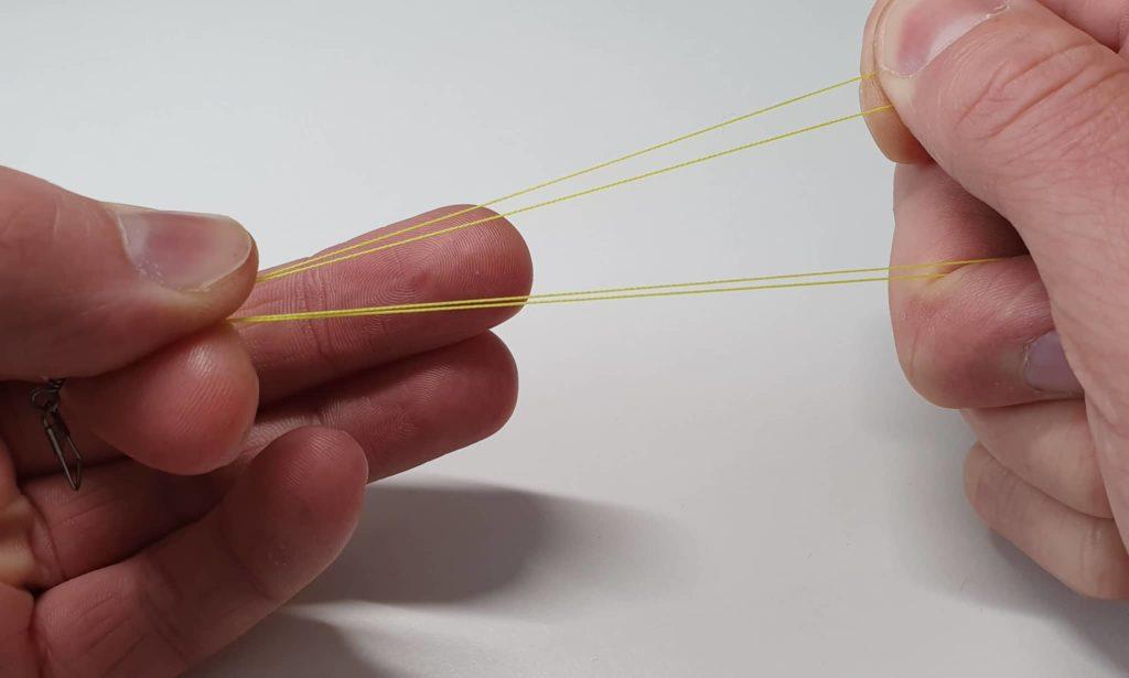Clinchknoten mit Doppelschnur - Schritt 2