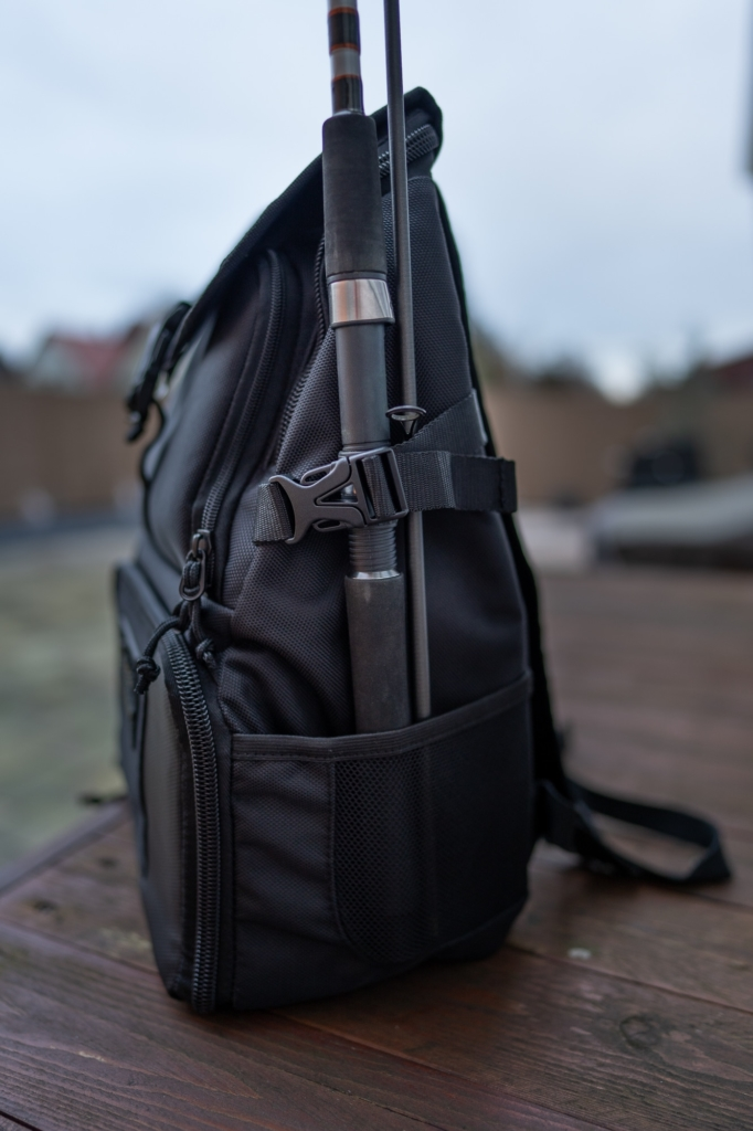 Gamakatsu Back Pack Angelrucksack - Rutenhalter auf der rechten Seite