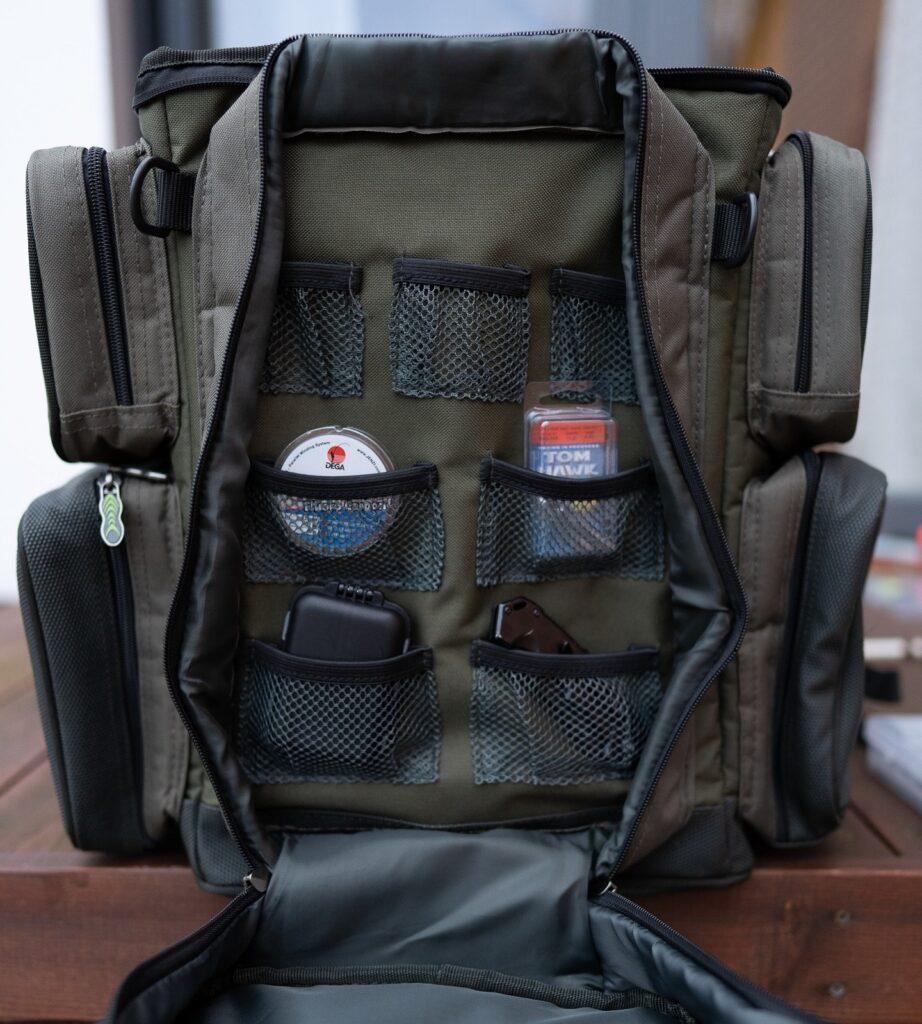 Greys Prodigy Tackle Base Angelrucksack - Fächer in den Taschen