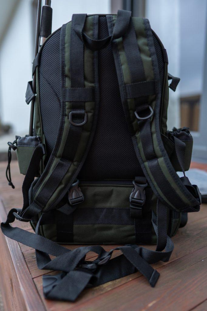Iron Claw Backpacker Angelrucksack - Bequeme Polsterung am Rückenteil