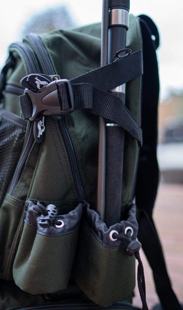 Iron Claw Backpacker Angelrucksack - Halterung für Angelrute