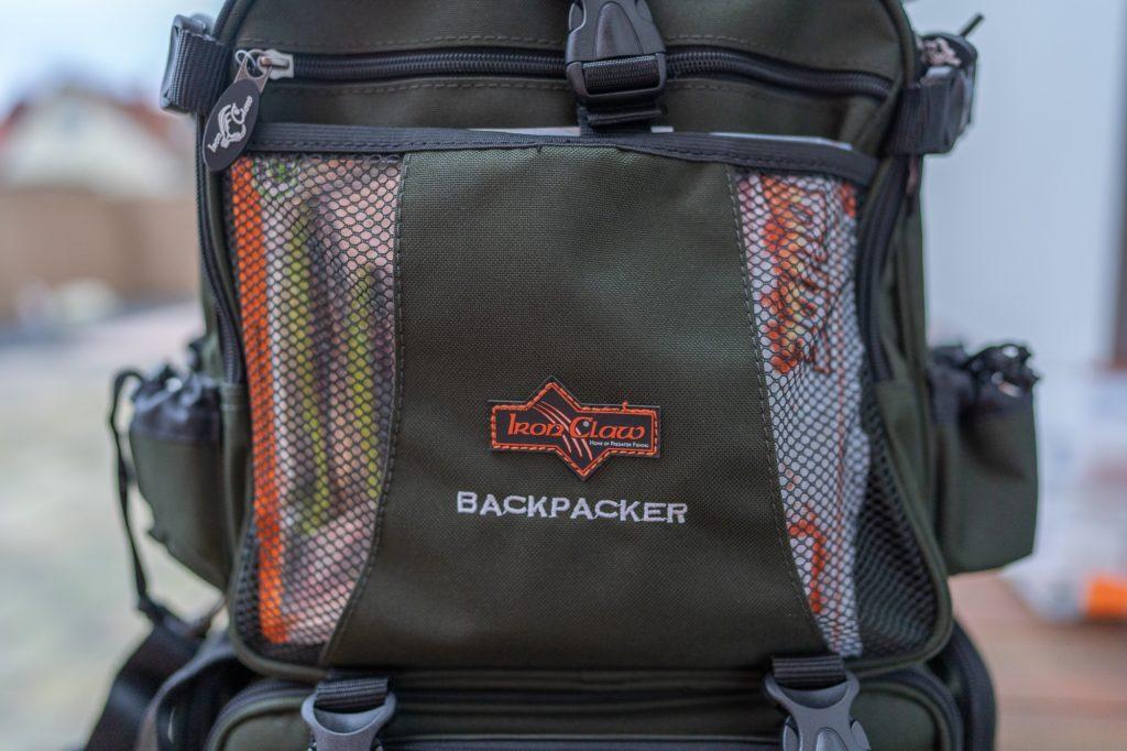 Iron Claw Backpacker Angelrucksack - Netztasche auf der Vorderseite
