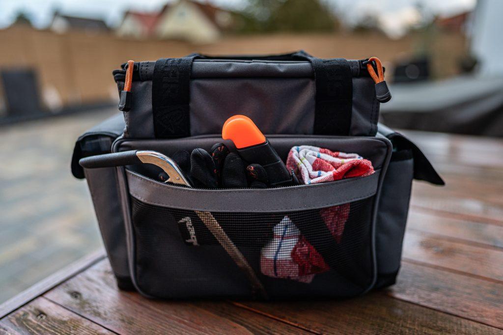 Savage Gear Lure Specialist Angeltasche - Netztasche auf der Rückseite