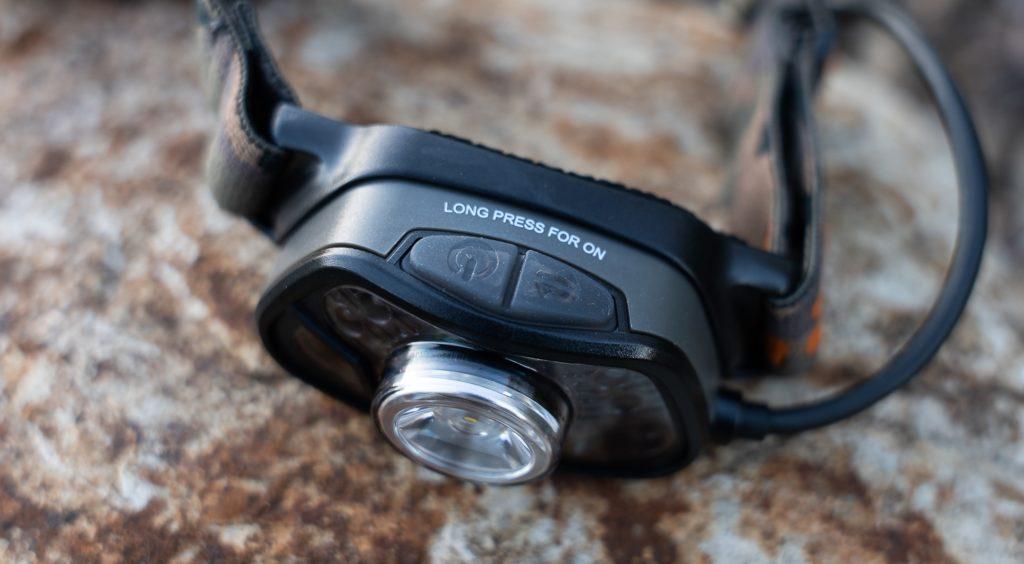 Fox Halo MS250 Stirnlampe - Buttons zum An/Ausschalten und Wechseln der Leuchtmodi