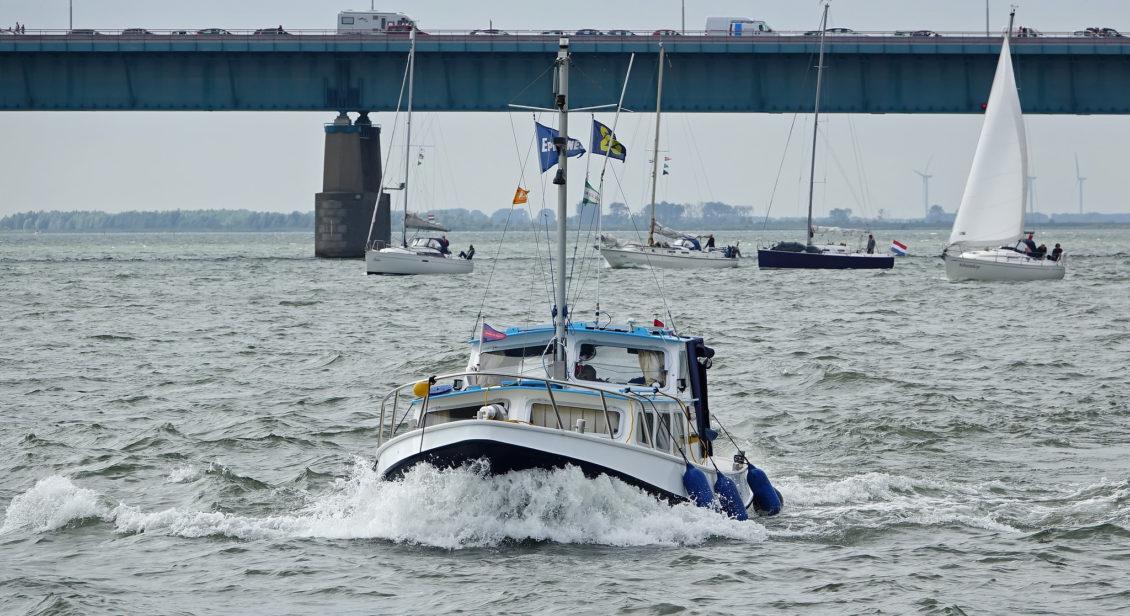 Boot fahren auf Seeschiffahrtsstraßen