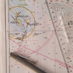 Seekarten verstehen ist wichtig für die Bootsführerscheinprüfung